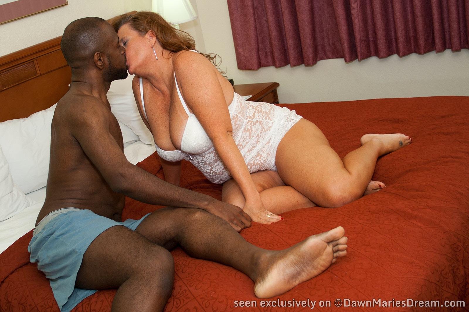 black girls strapon white guys pics