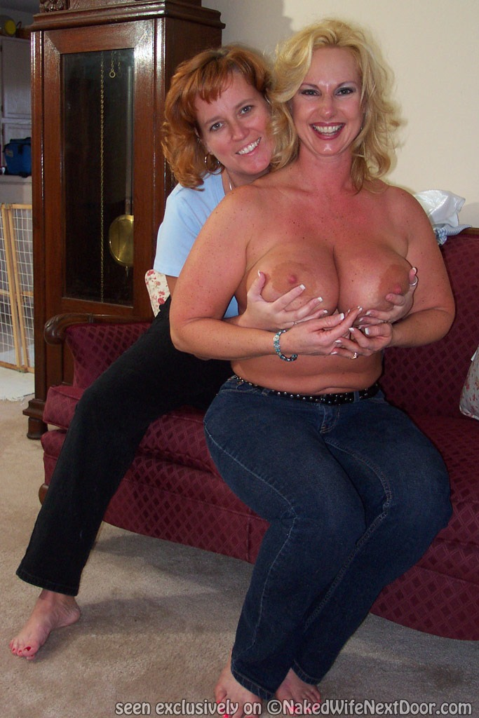 naked-moms-big-tits